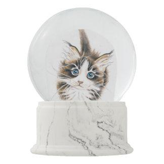 Cute Maine Coon Kitty Snow Globe
