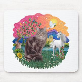 Fantasy Land (ff) - Maine Coon cat (tabby 10) Mouse Pad