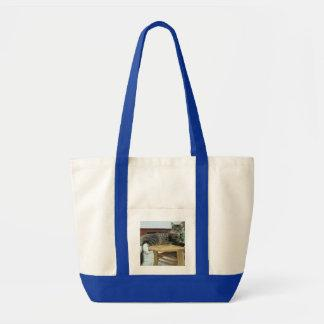 maine coon laying 2 tote bag