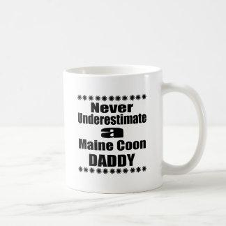 Never Underestimate Maine Coon Daddy Coffee Mug